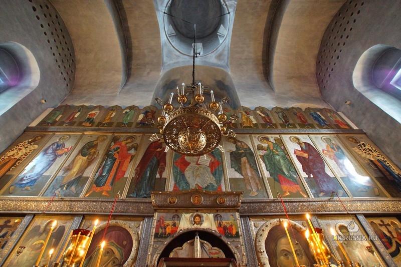 Храм свт. Василия Великого (на горке), г. Псков - Православные лики России