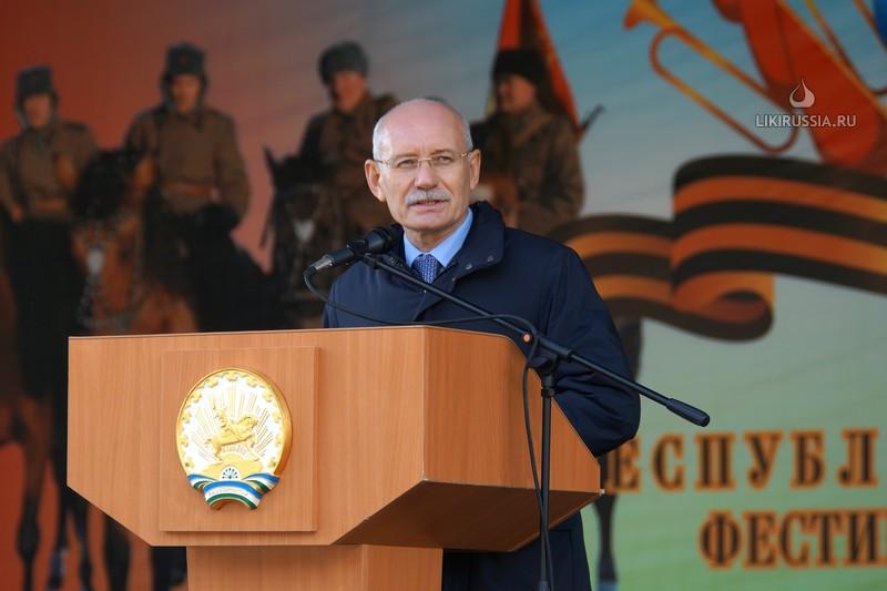 Рустем Хамитов на празднике в с.Шаймуратово