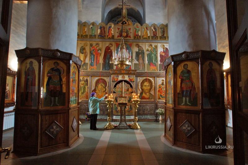 Храм свт. Василия Великого (на горке) Псков