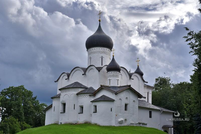 Храм свт. Василия Великого (на горке)
